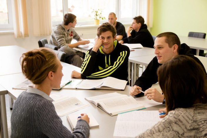 Study and Experience: English - KUL IN Language Academy